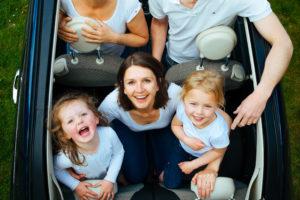 Masz dużą rodzinę? Złóż wniosek o wydanie Karty Dużej Rodziny – to się opłaca!