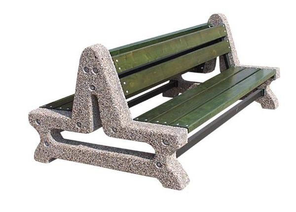 Nowe ławki na stacjach kolejowych Wołomin i Wołomin Słoneczna