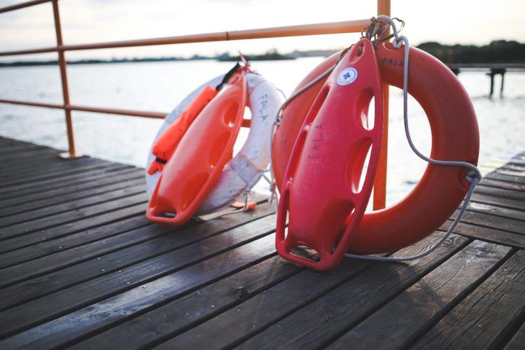 Zasady bezpiecznego pobytu nad wodą
