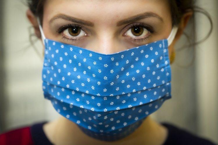 Zniesienie obowiązku zasłaniania ust i nosa w otwartej przestrzeni od 30 maja
