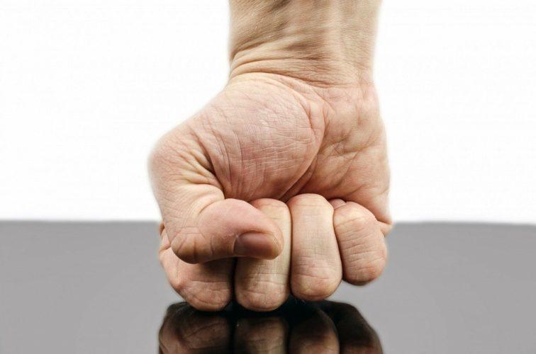 Osobisty plan awaryjny - poradnik dla osób doświadczających przemocy