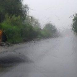 Uwaga! Ulewne deszcze i burze - możliwość podtopień