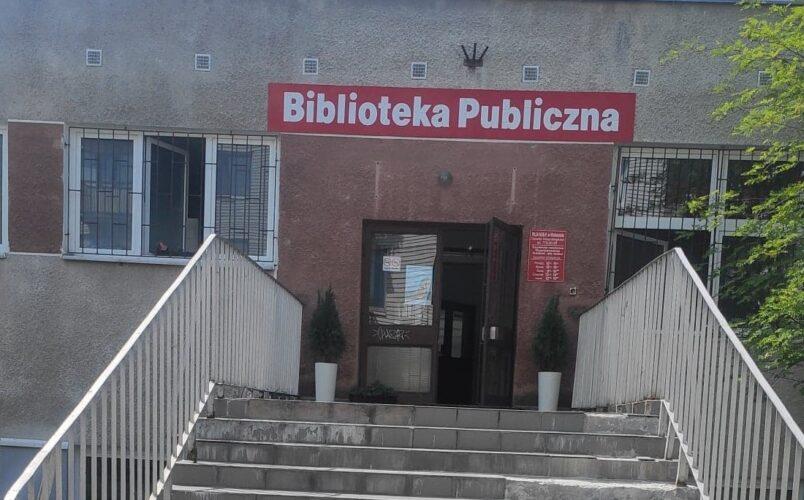 schody do filii Biblioteki
